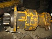Поворотный редуктор с мотором Hyundai Robex 1300 – Swing Motor