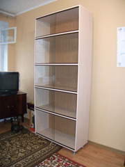 Номер включает каминный зал с мягкой мебелью, оборудованный кухонных уголок
